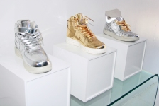 Metallic Nikes look like Jeff Koons